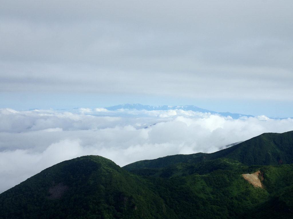 那須岳の茶臼岳からの眺め