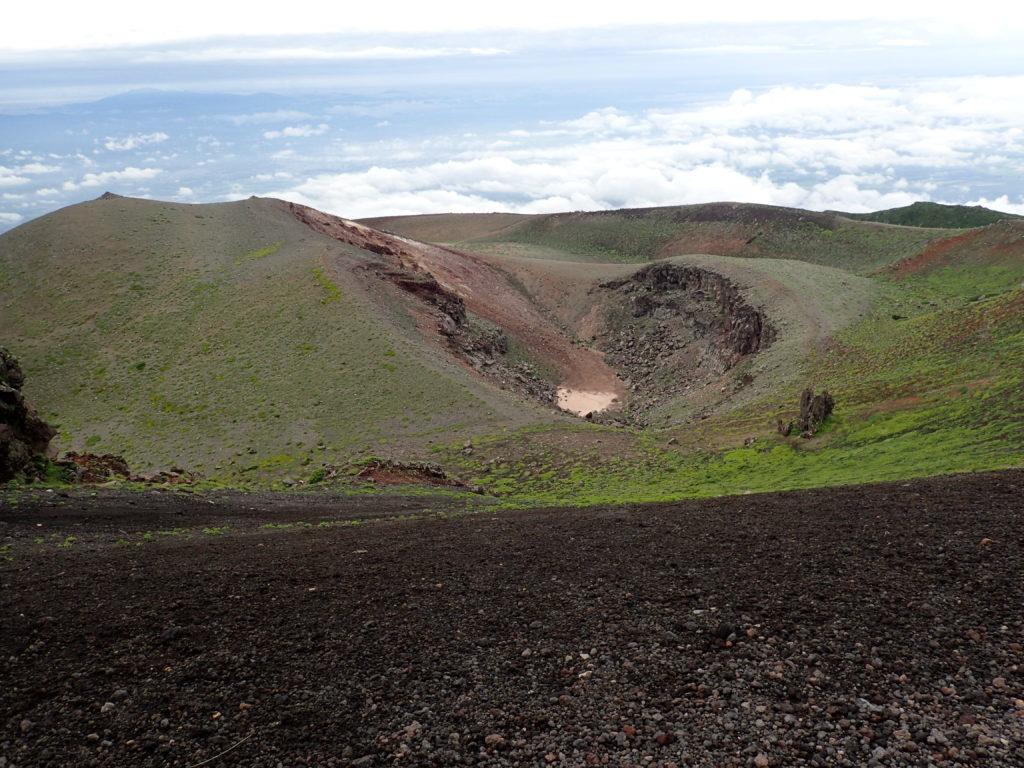 岩手山の火口