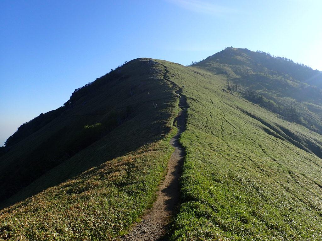 ジロウギョウ方面からの剣山への登山道