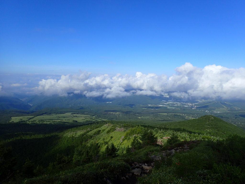 四阿山登山道から見る菅平