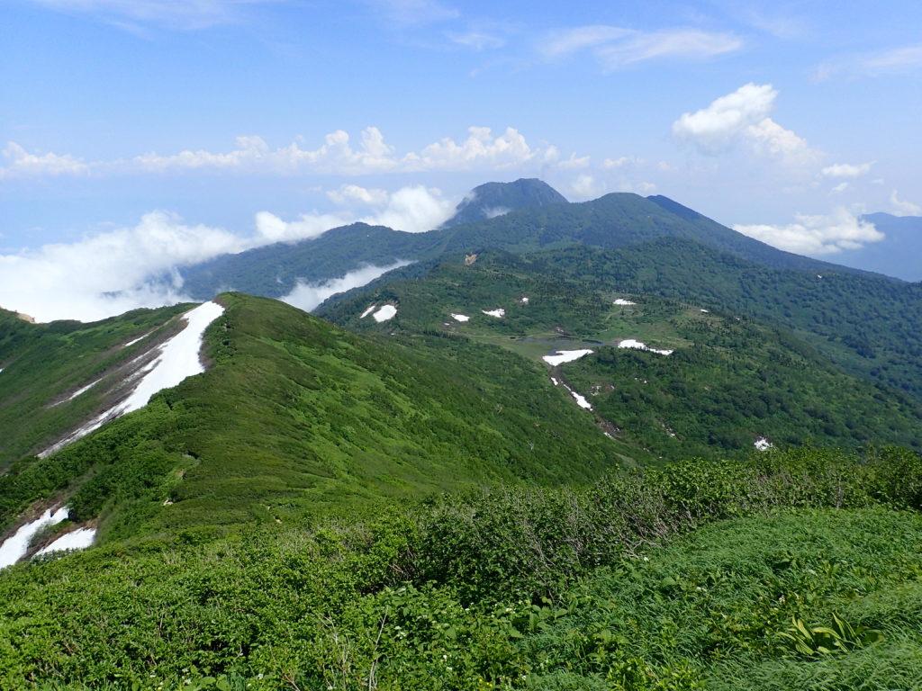 火打山登山道から見る妙高山