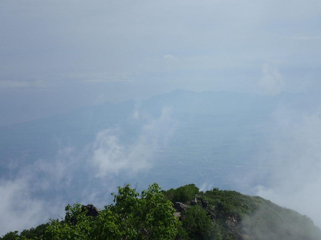 妙高山北峰から眺める新潟方面