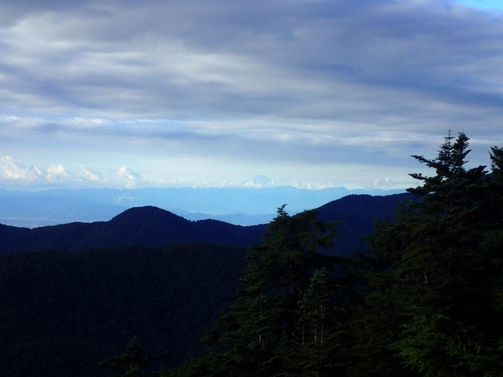 皇海山クラシックルートから見る富士山