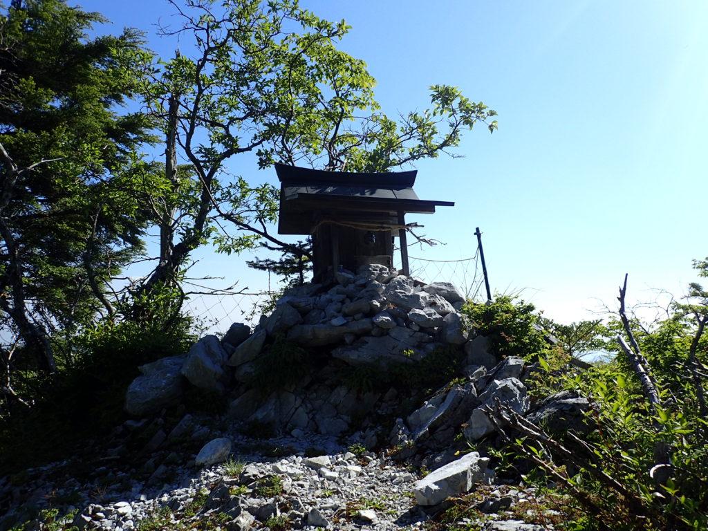 剣山の両剣神社
