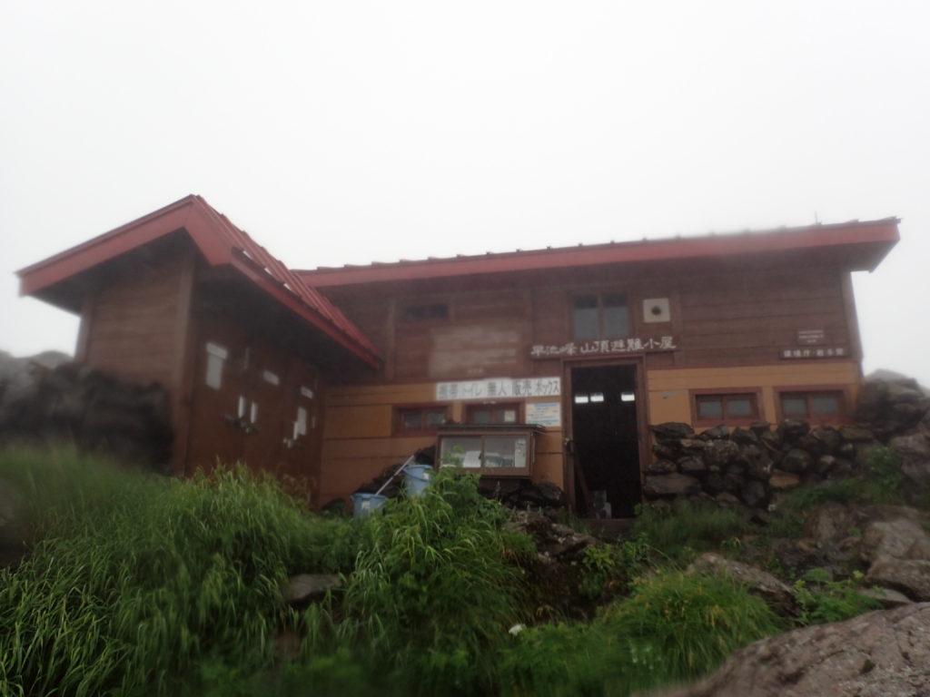 早池峰山山頂避難小屋