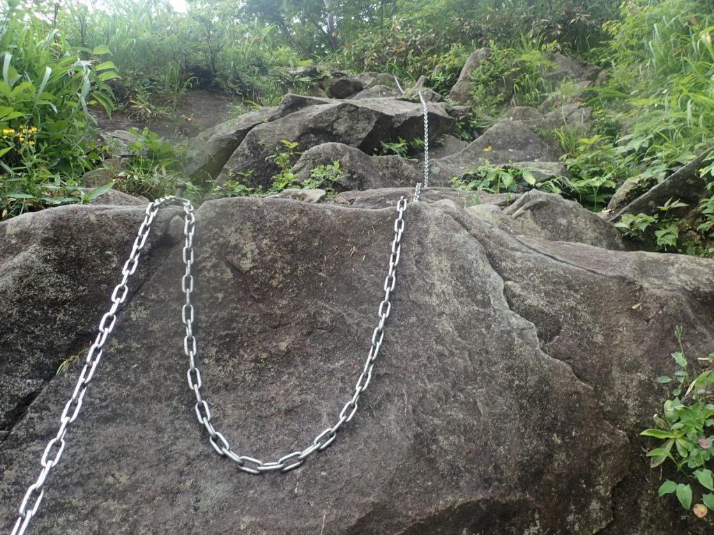 谷川岳の巌剛新道の鎖