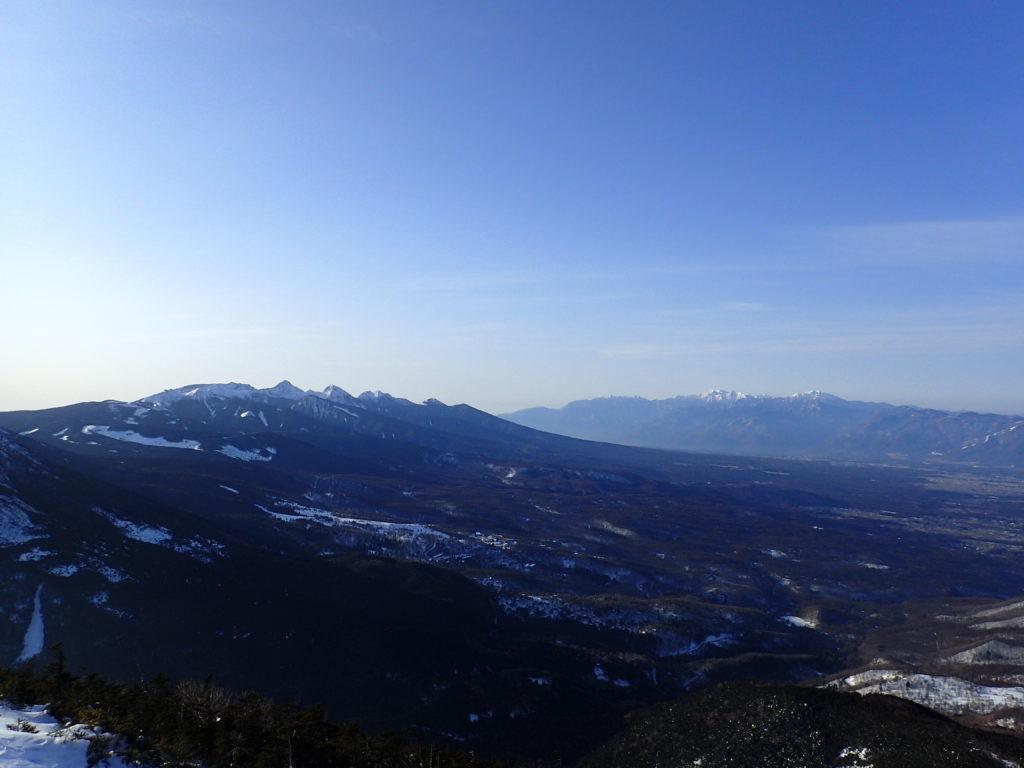 冬の蓼科山から見る八ヶ岳と南アルプス