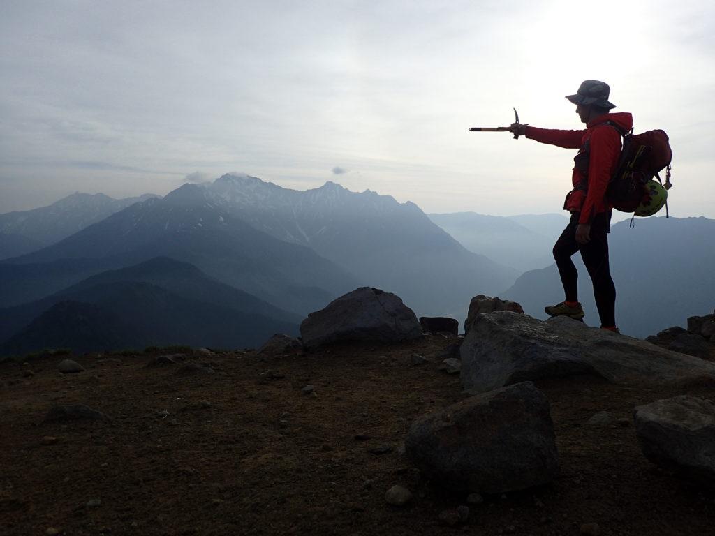 焼岳山頂で記念撮影