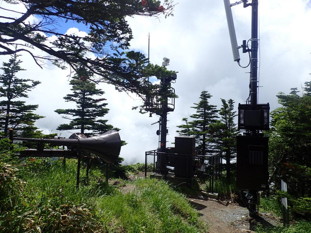 黒斑山登山道(表コース)にある浅間山の噴火に備えた緊急放送設備