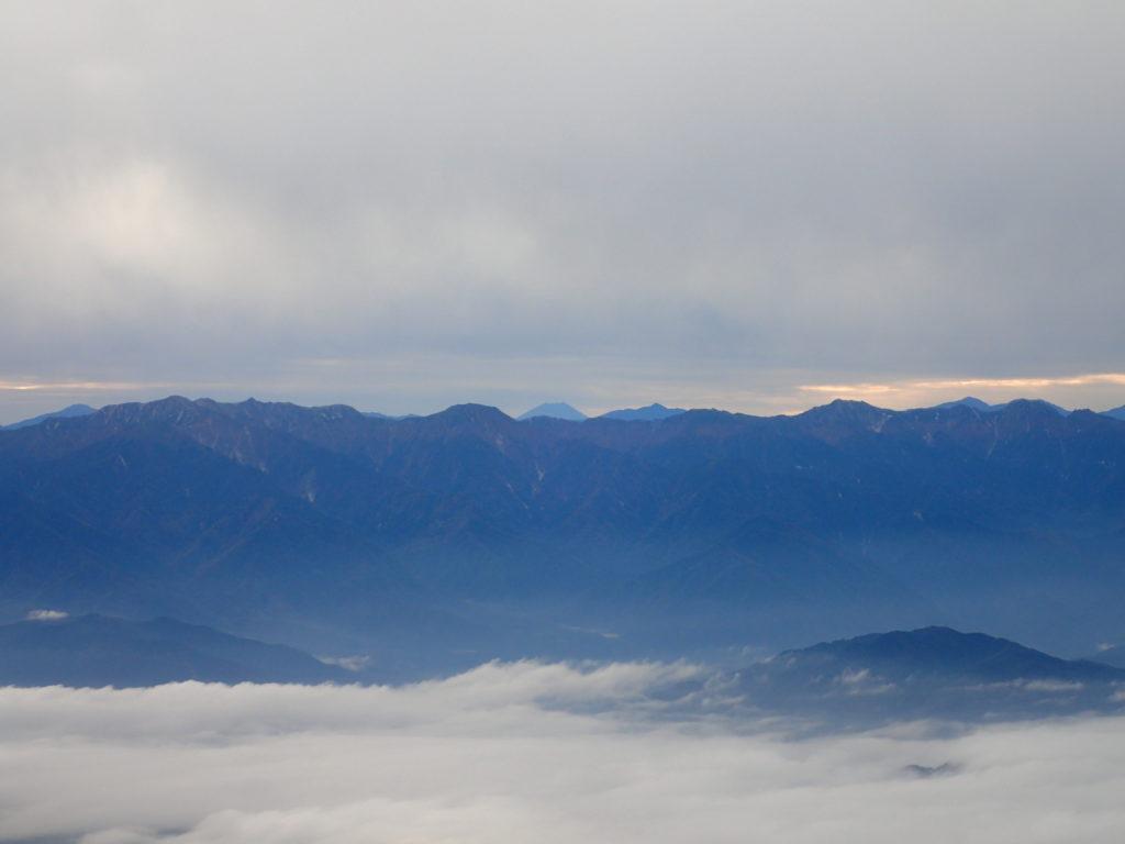御嶽山の王滝ルートから見る富士山