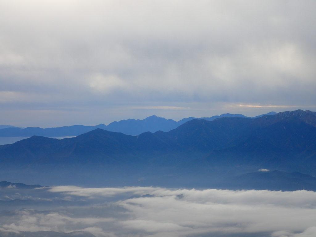 御嶽山の王滝ルートから見る甲斐駒ヶ岳