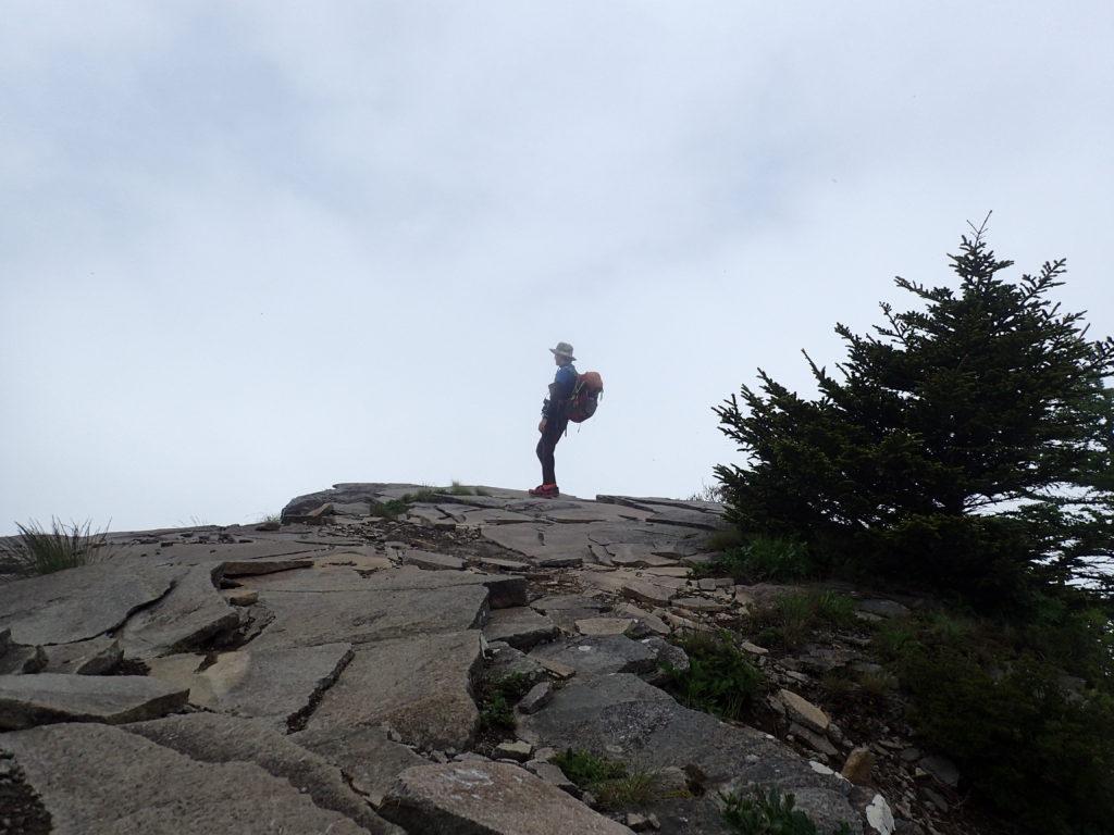 美ヶ原高原の烏帽子岩で記念撮影