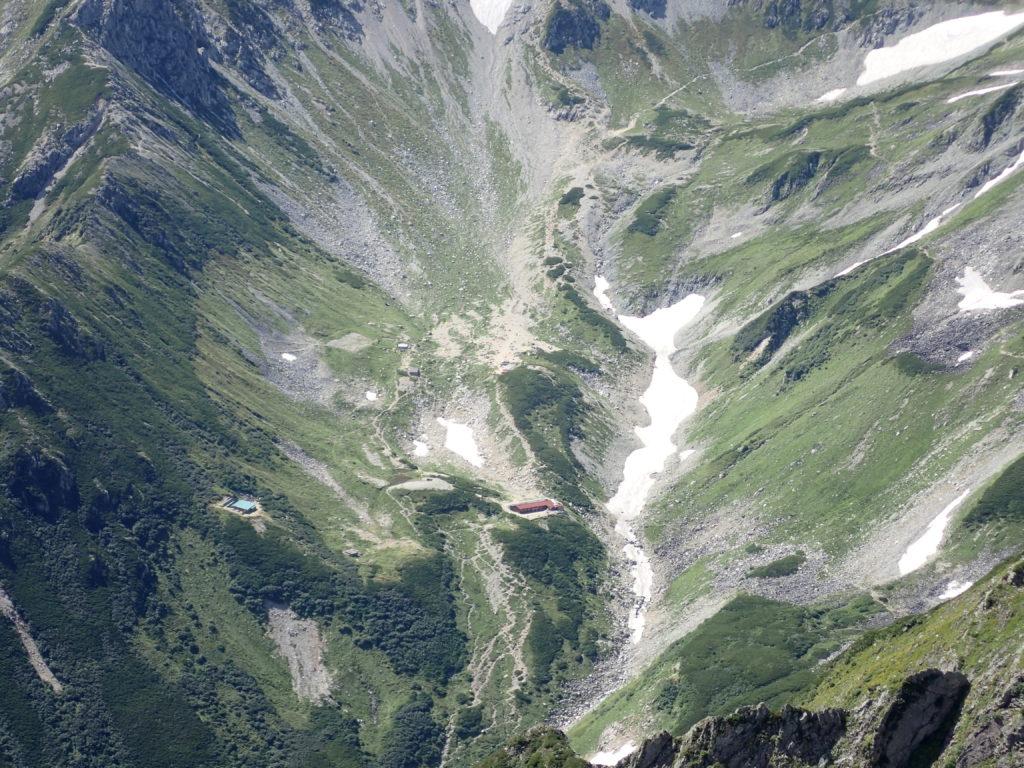 剱岳山頂から見おろす剱沢キャンプ場