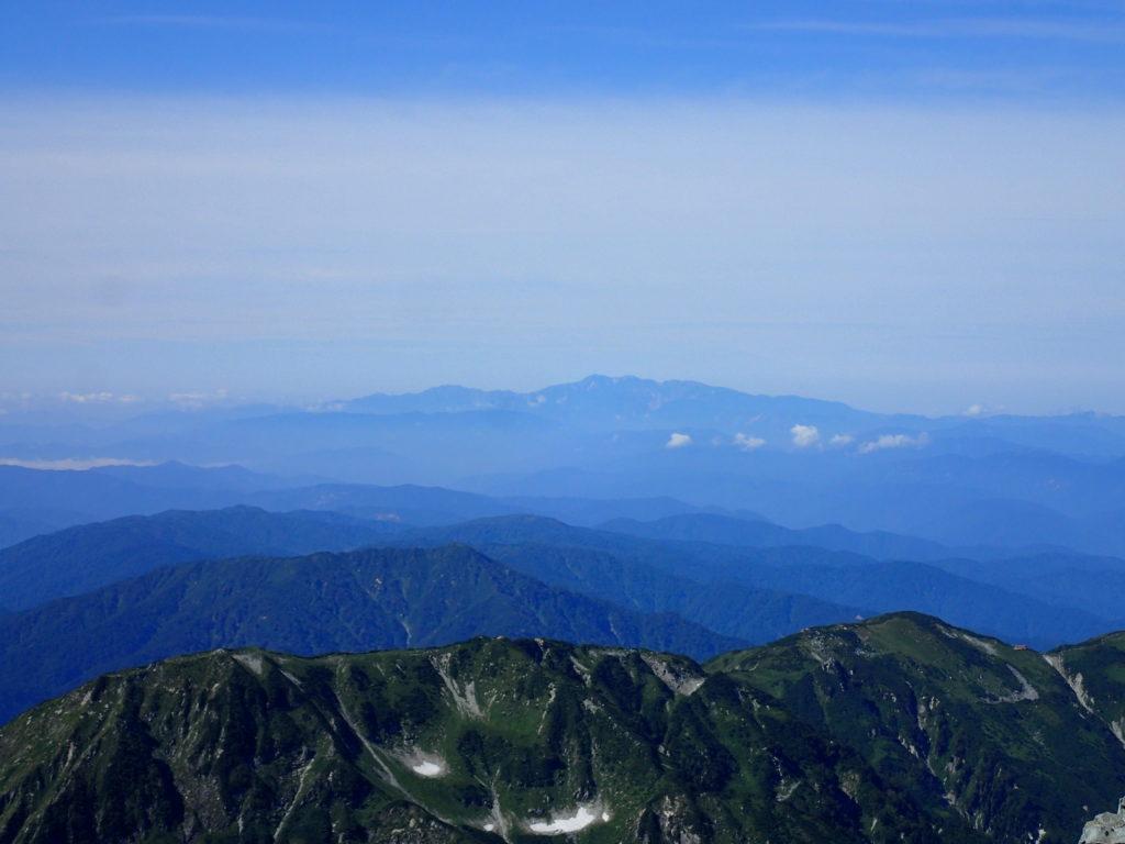 剱岳山頂から見る白山