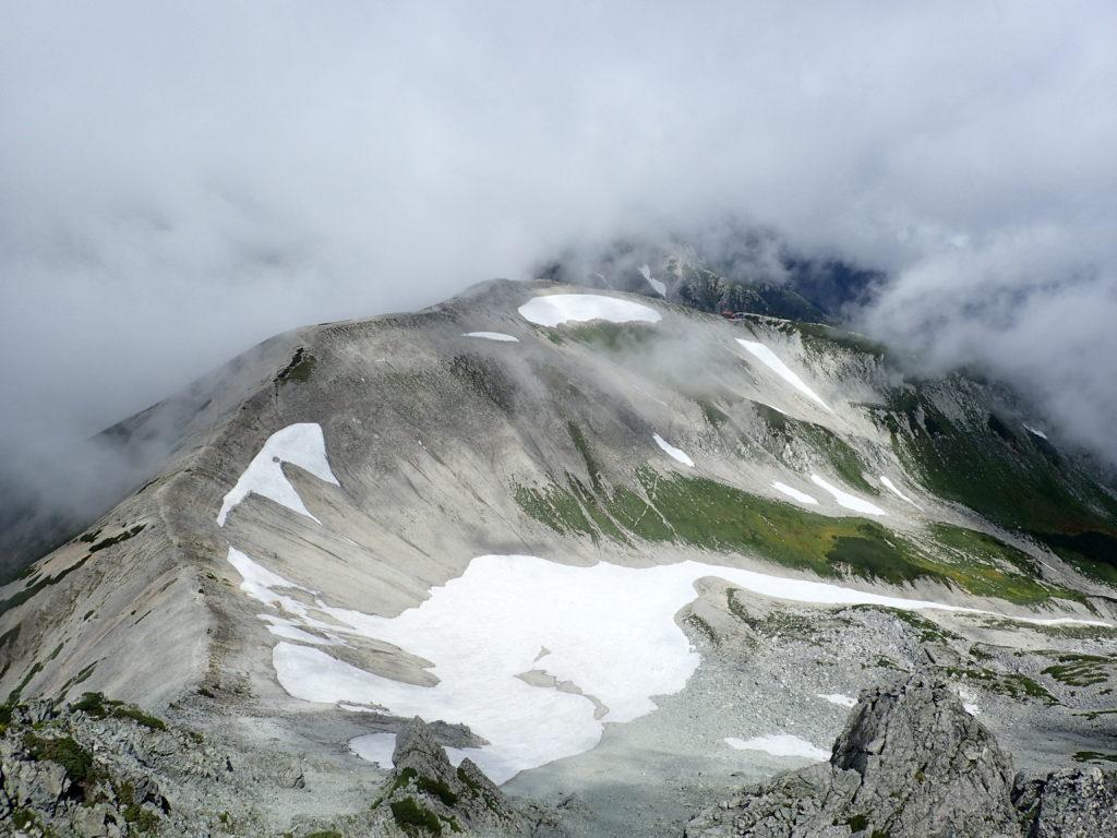 富士ノ折立からの真砂岳方面