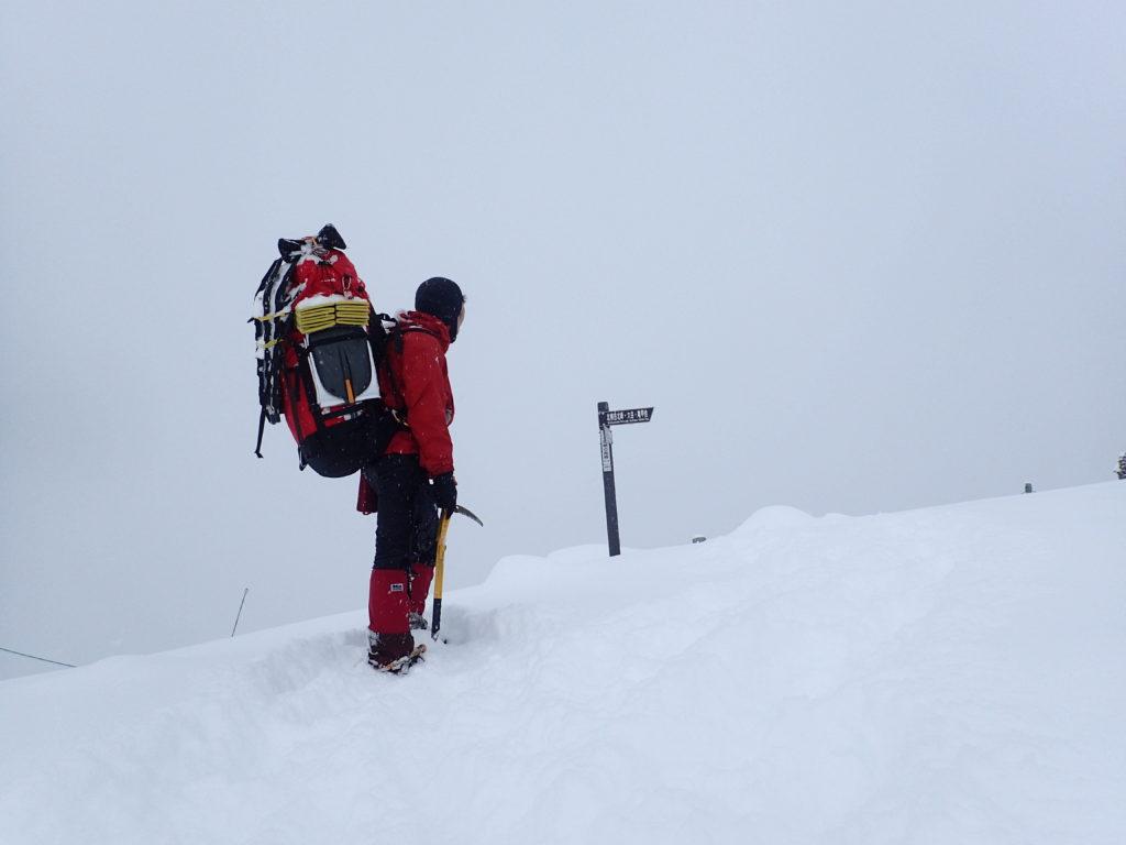 北横岳南峰で記念撮影