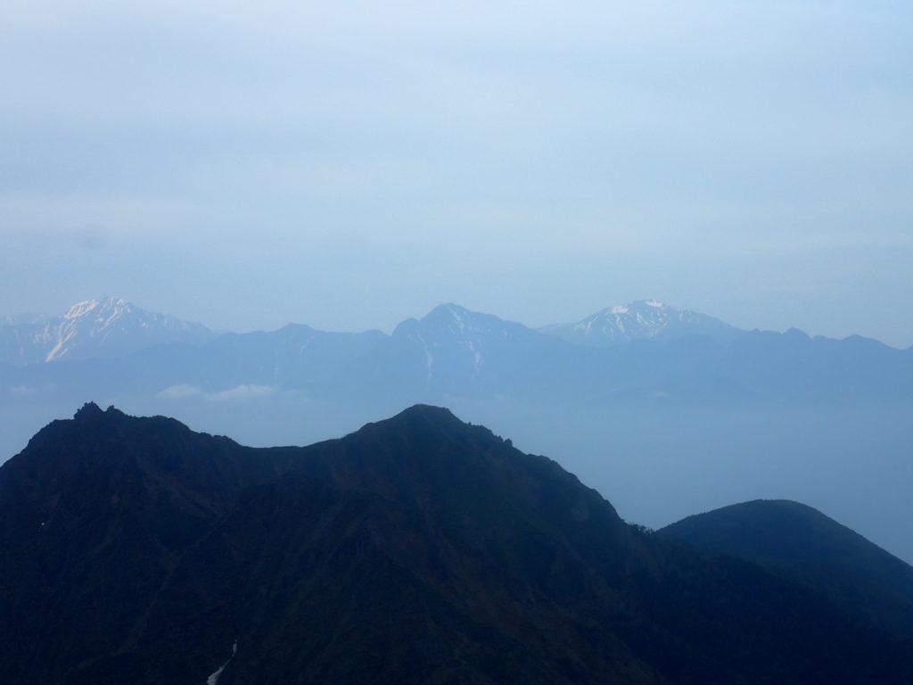 赤岳から見る甲斐駒ヶ岳