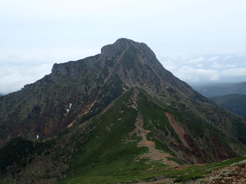 赤岳から眺める阿弥陀岳