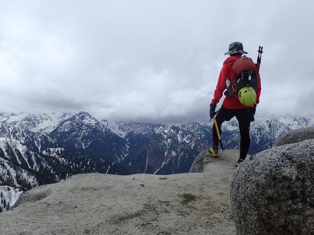 燕岳山頂で記念撮影