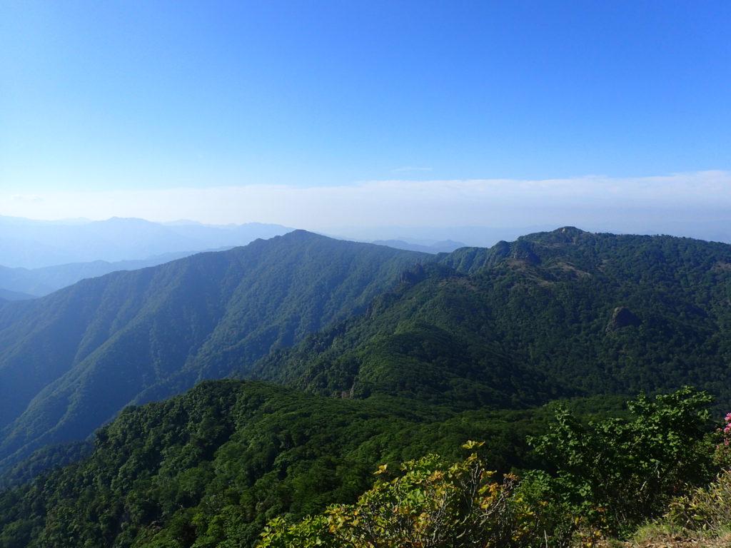 祖母山の山頂からの展望