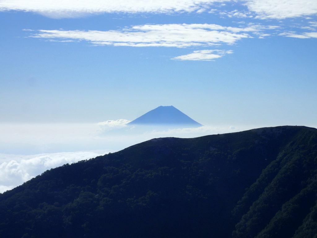 北岳登山道から見る富士山