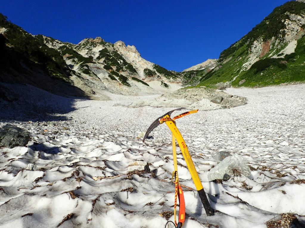 白馬大雪渓とピッケル