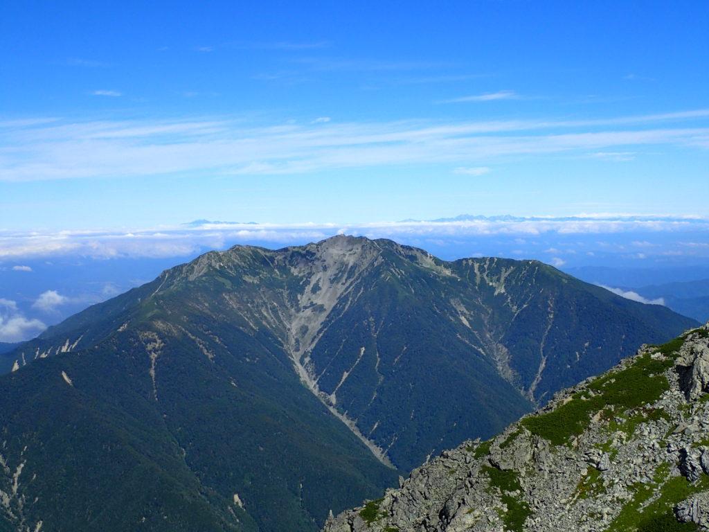 北岳から見た仙丈ヶ岳