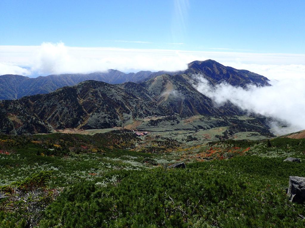 白山のトンビ岩コースから見る別山方向