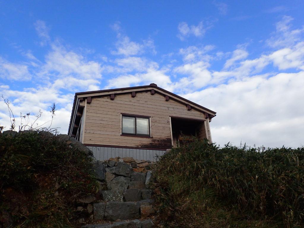 白山の観光新道の殿ヶ池避難小屋