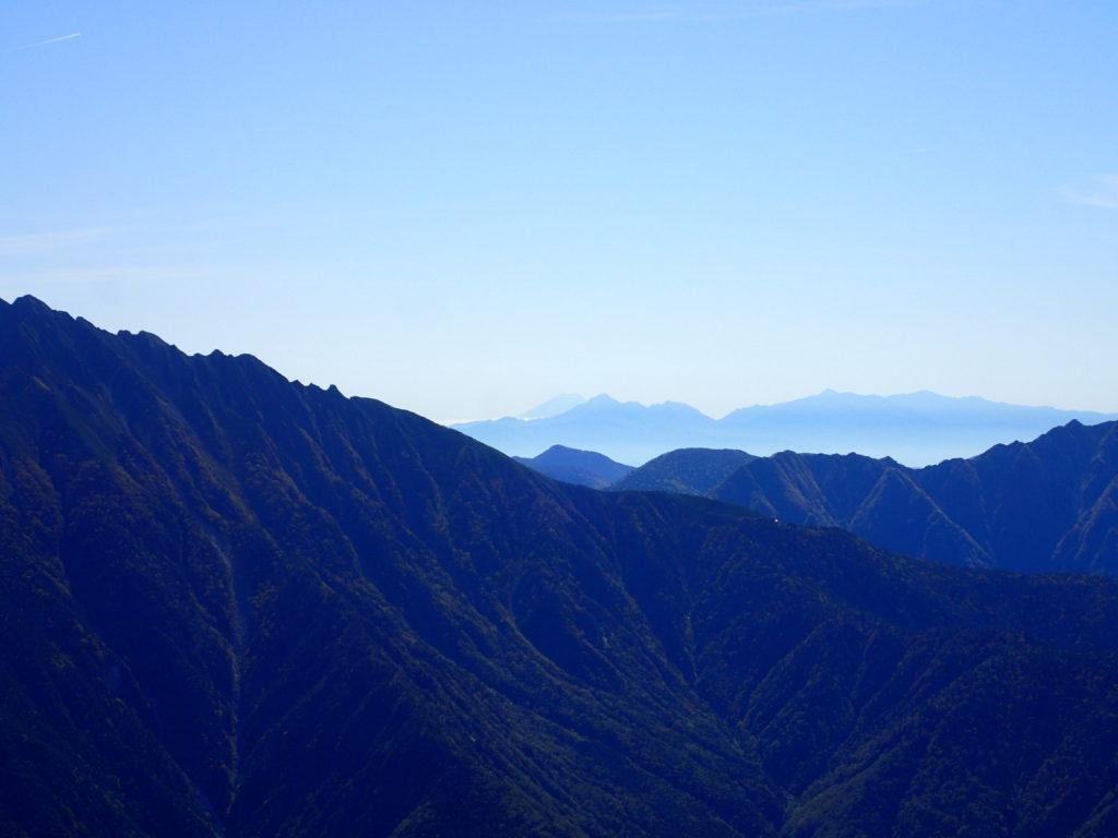 笠ヶ岳から見る富士山