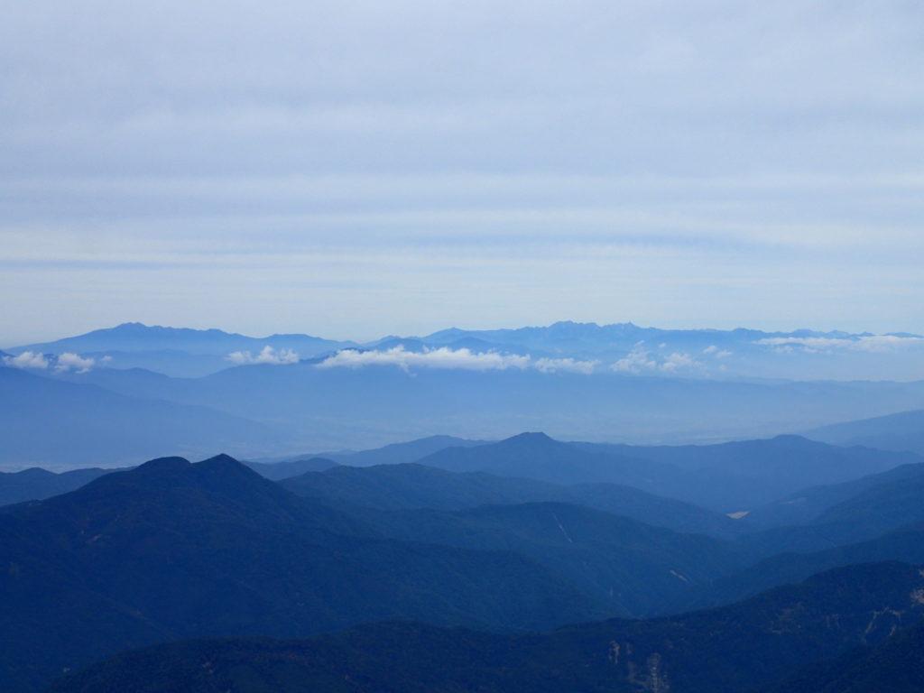 塩見岳から見る北アルプス