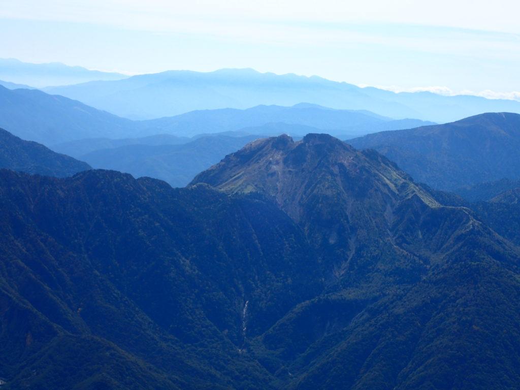 笠ヶ岳から見る焼岳