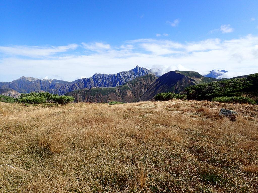 三俣山荘巻道から見る槍ヶ岳