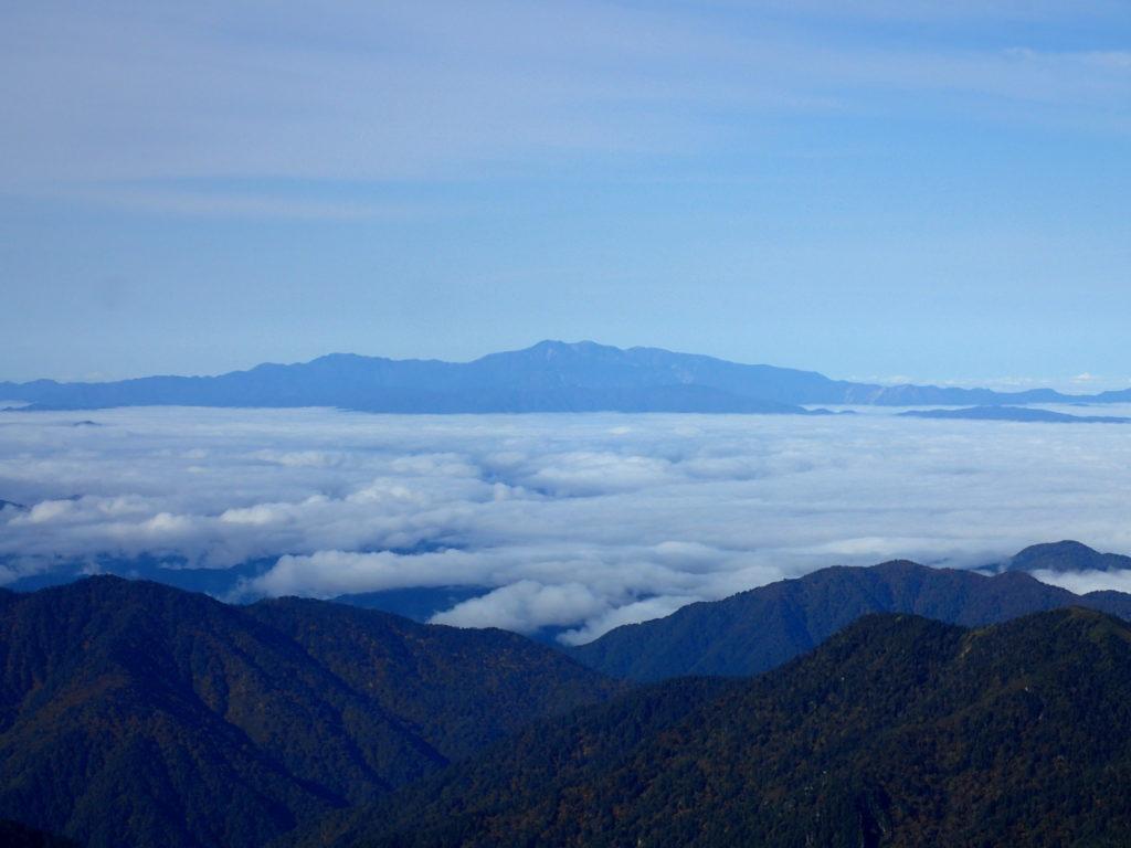 双六岳付近から見る白山