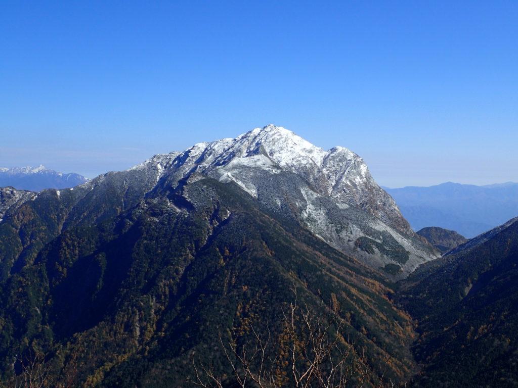 仙丈ヶ岳の小仙丈ヶ岳ルートから見る甲斐駒ヶ岳