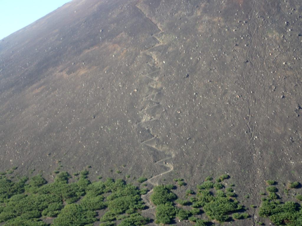 阿寒富士の登山道