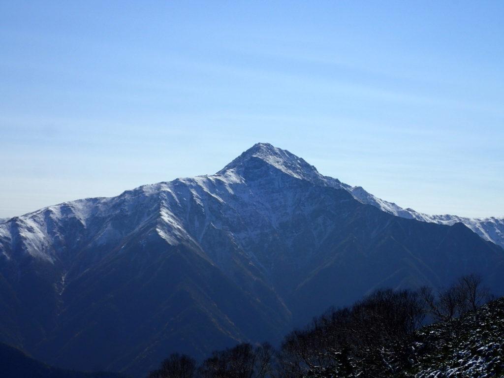 仙丈ヶ岳から見る北岳