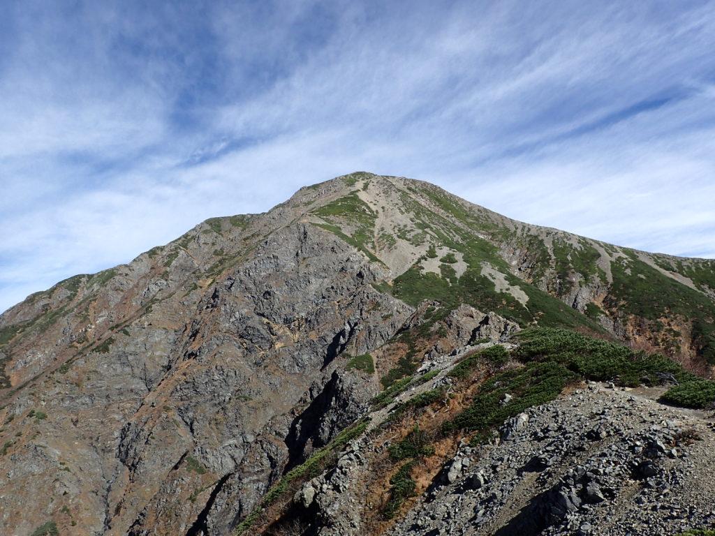 小聖岳付近から見上げる聖岳