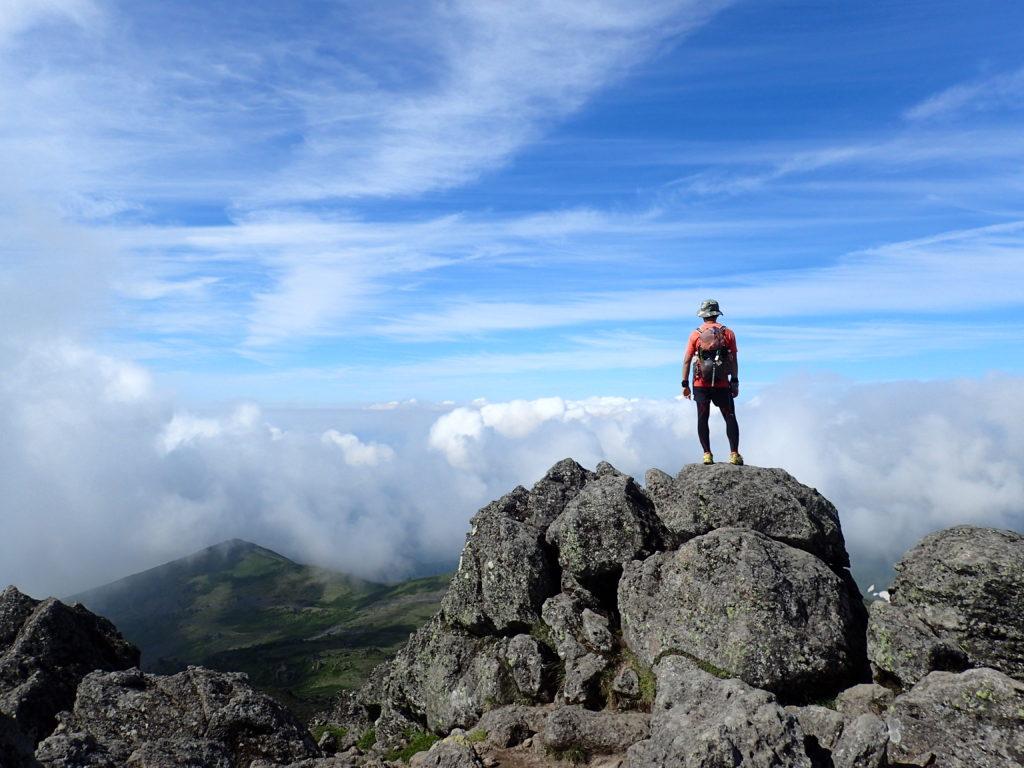 トムラウシ山山頂で記念撮影