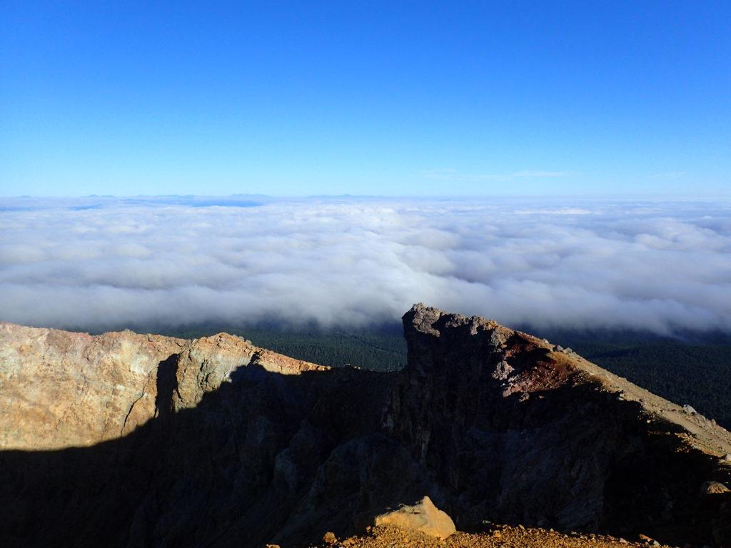 雌阿寒岳山頂から見る雲海