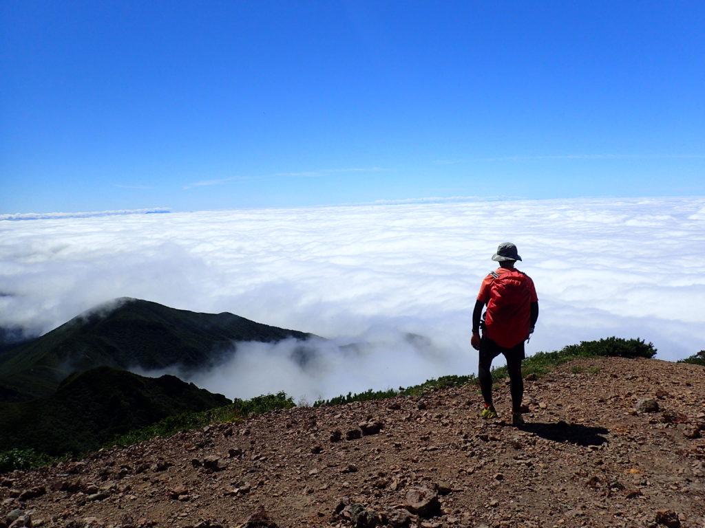斜里岳山頂で記念撮影