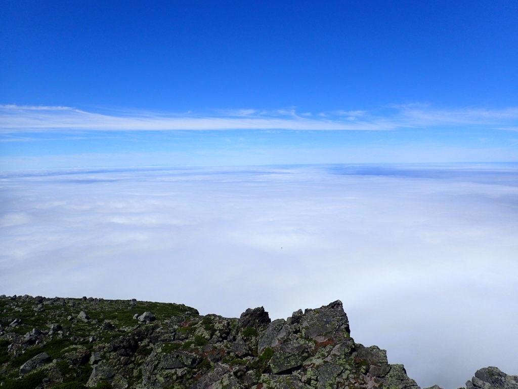 羅臼岳山頂から見る雲海