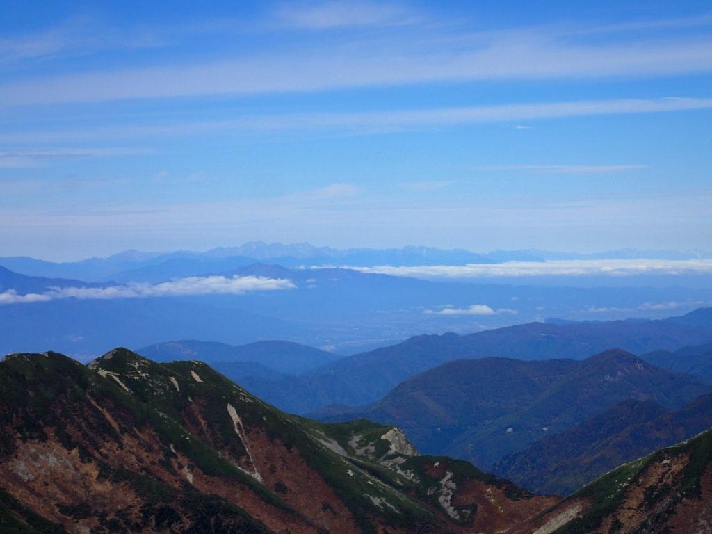 聖岳山頂から見る北アルプス