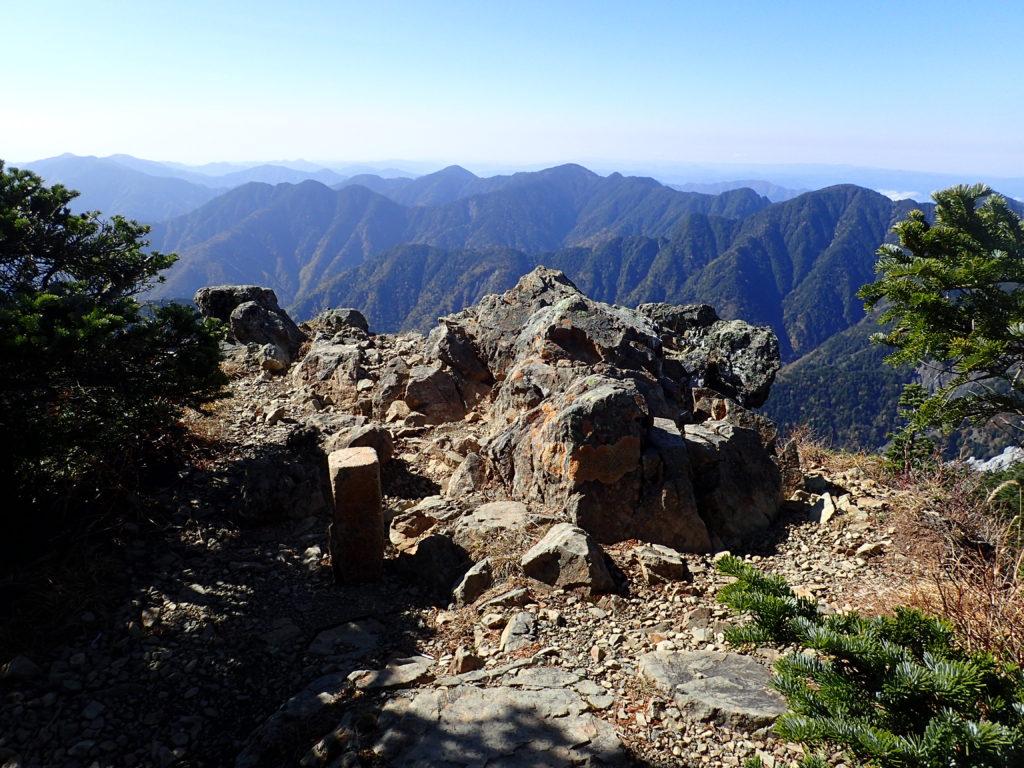 光岳の展望台