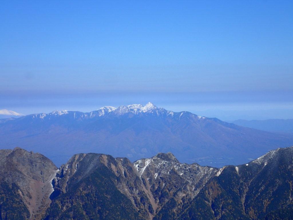 仙丈ヶ岳から見る八ヶ岳赤岳