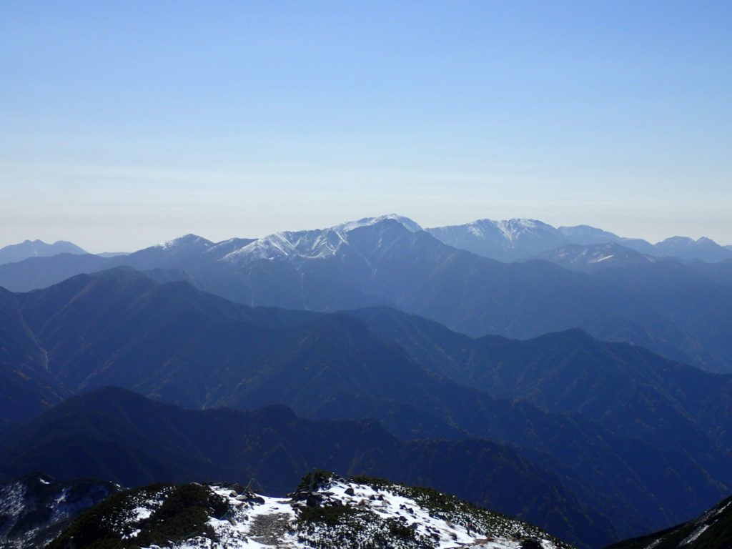 仙丈ヶ岳から見る南アルプス南部