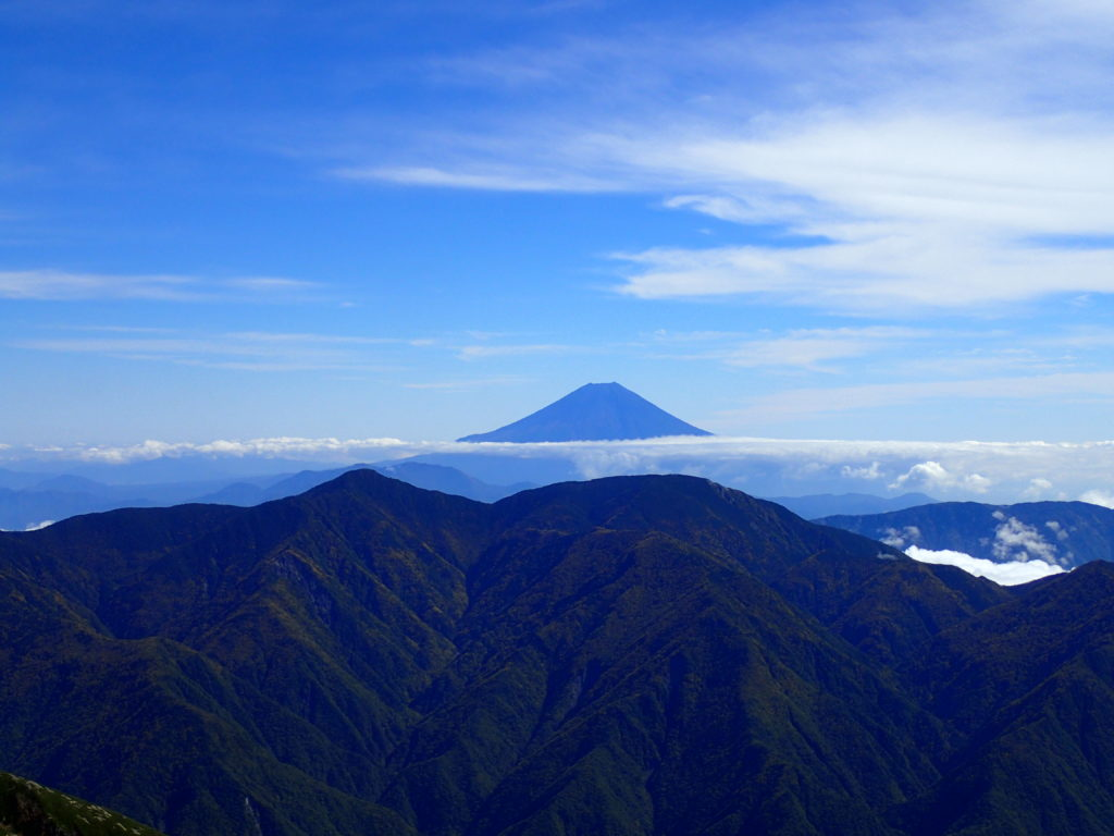聖岳から見る富士山