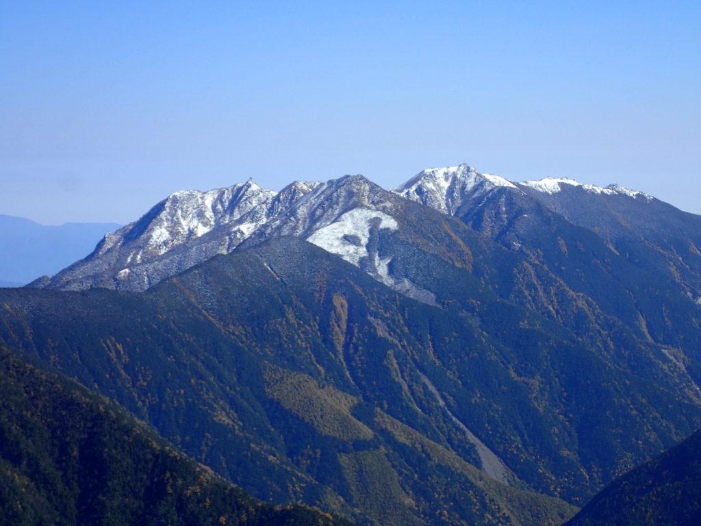 仙丈ヶ岳から見る鳳凰三山