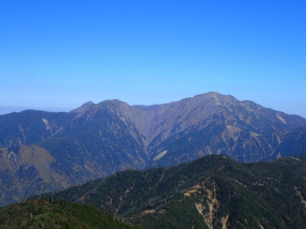 イザルヶ岳から見る聖岳と兎岳