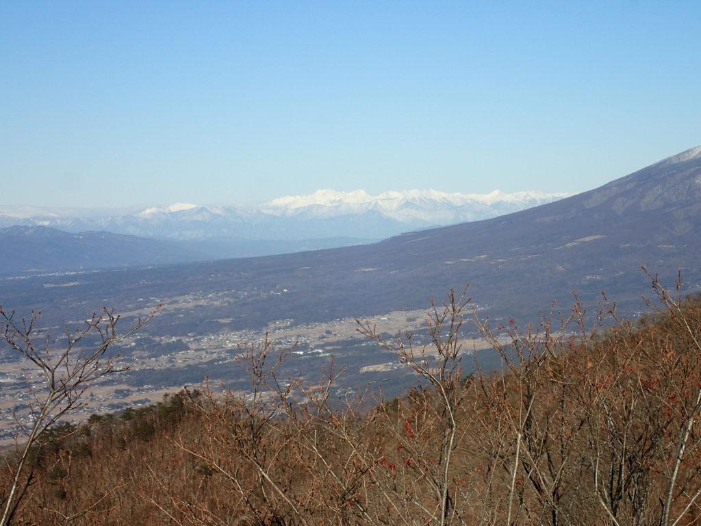 茅ヶ岳山頂から見る北アルプス